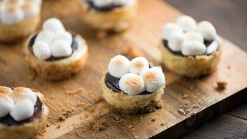 S'mores Mini Cheesecake Cups