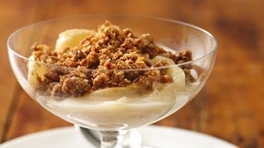 Easy Granola Apple Crisp