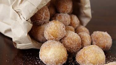 Cinnamon Sugar Doughnut Minis