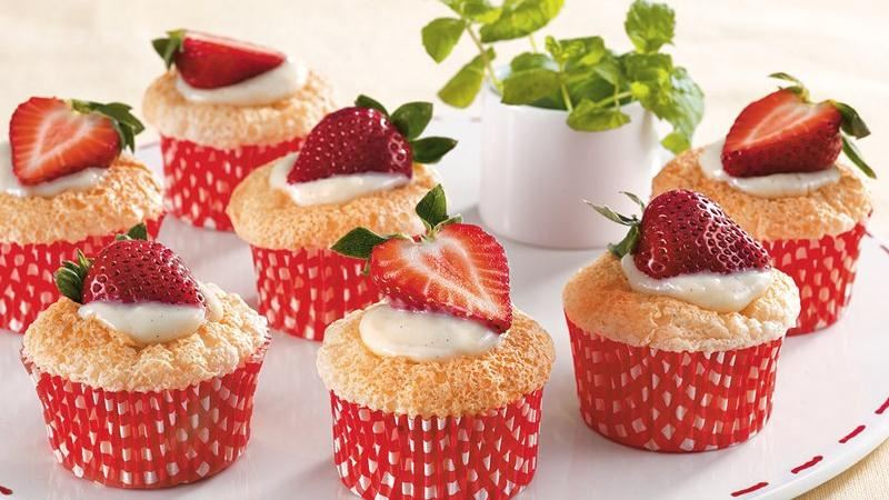 Vanilla Stuffed Strawberry Cupcakes
