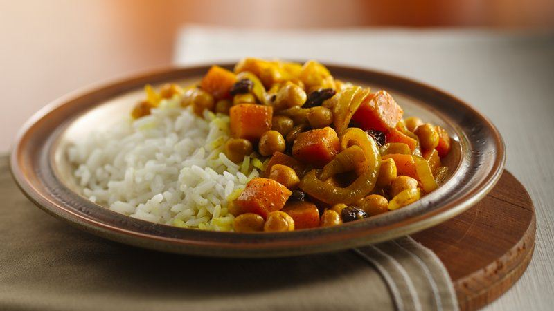 Moroccan Garbanzo Beans with Raisins