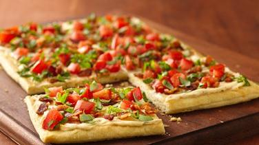 Bacon and Tomato Crescent Pizza