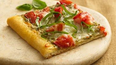 Tomato Pesto Pizza