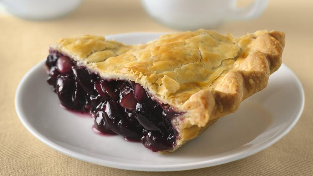 Amaretto Sweet Cherry Pie