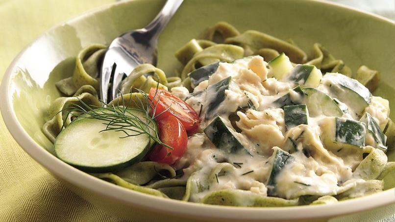 Spinach Fettuccine with Creamy Salmon