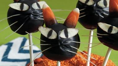 Halloween Cat Cake Pops