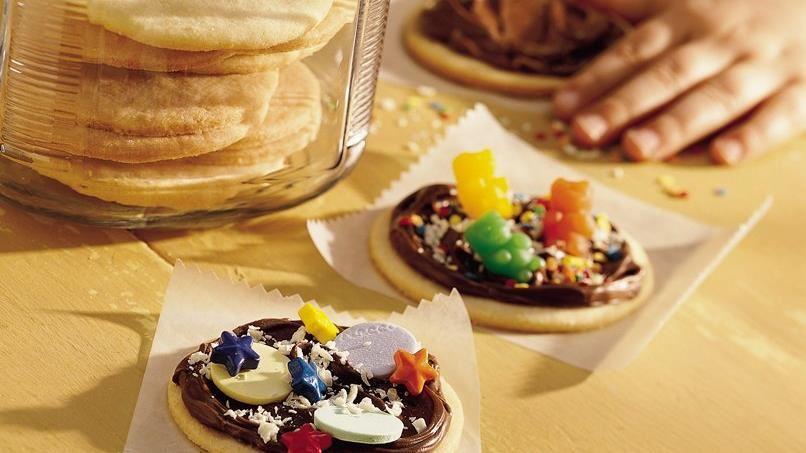Mini Cookie Pizzas