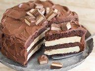 Layered Caramel Candy Bar Cheesecake