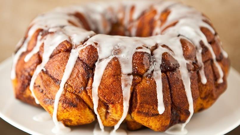 Cream Cheese-Cinnamon Roll Monkey Bread