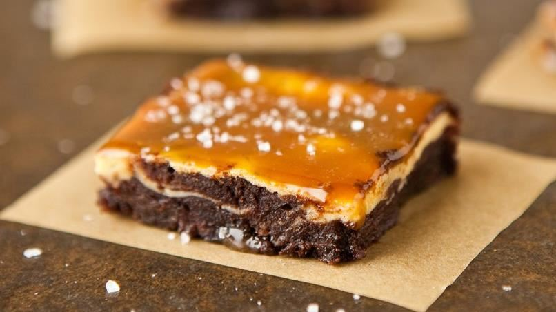 Vanilla Bean Cheesecake Fudge Brownies with Salted Caramel