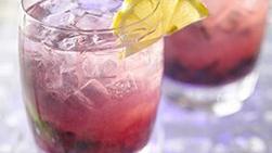 Limonada con Gin y Moras Azules