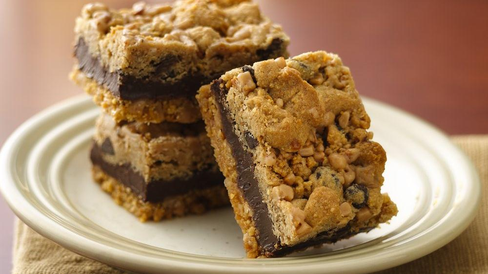 Fudgy Chocolate Chip Toffee Bars Recipe From Pillsbury Com