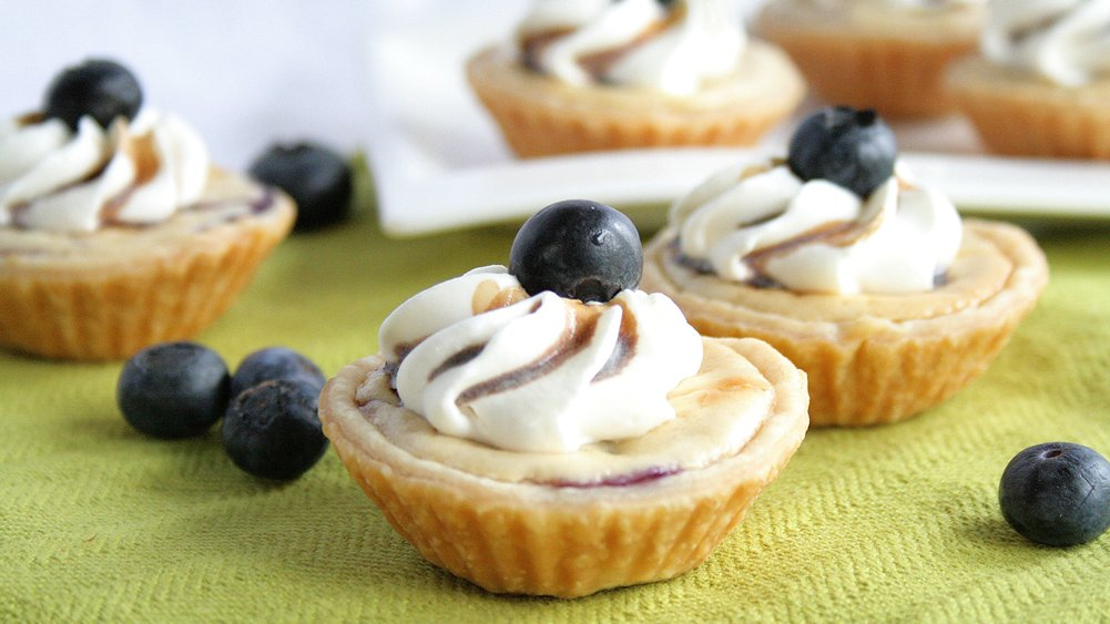 Grilled Blueberry Cheesecake Mini Pies