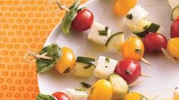 Brochetas Capresse con Tomate Fresco y Albahaca