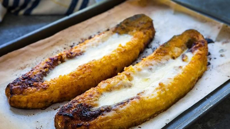 Baked Plantains with Cheese | QueRicaVida
