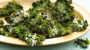 Gluten-Free Kale Chips with Nutritional Yeast