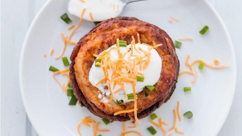 Potato Cakes with Cheese and Bacon | QueRicaVida