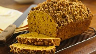 Cinnamon Streusel-Topped Pumpkin Bread
