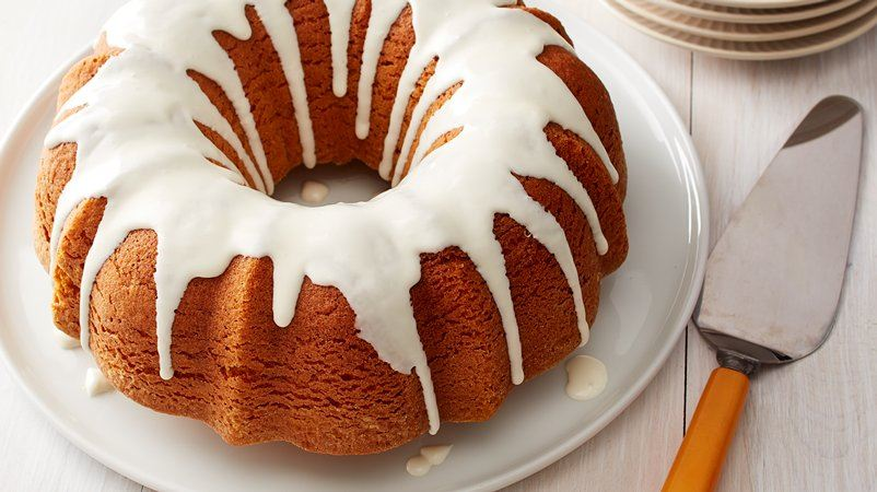 Cake Recipes With Glaze Icing: Pumpkin Bundt Cake With Cream Cheese Glaze