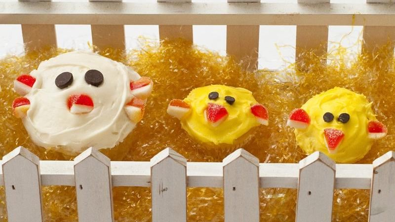 Mama and Baby Chick Cupcakes