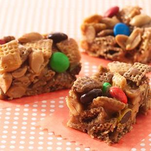 Peanut and Chocolate Chex™ Bars