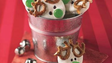 No-Bake Decorated Reindeer Cookies