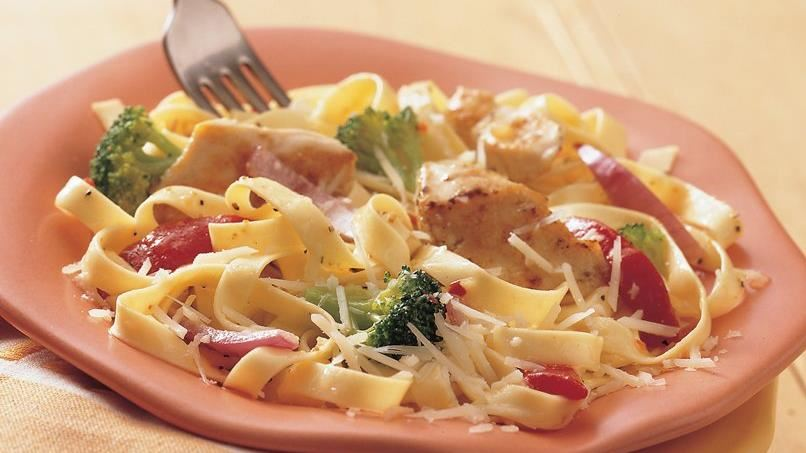 Fettuccine with Chicken and Vegetables