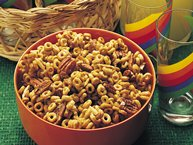 Sweet and Nutty Cereal Munch