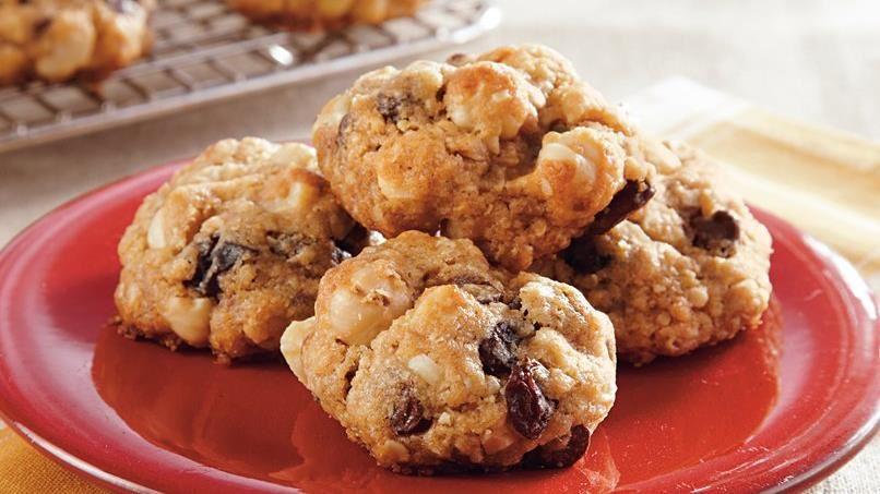 Hazelnut Granola Cookies