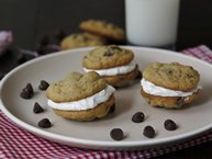Mint-Chocolate Chip Cookie Whoopie Pies