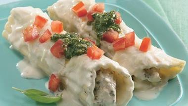 Creamy Alfredo Chicken Manicotti