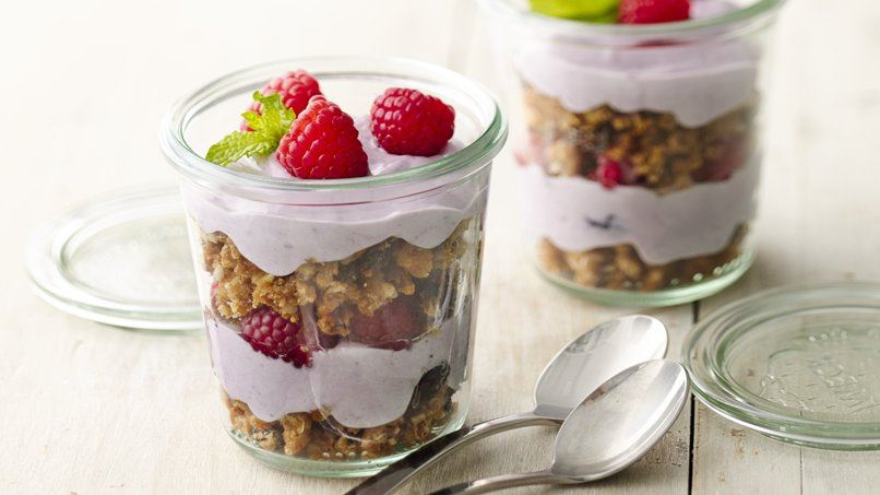 Oatmeal Cookie Granola Berry Parfaits