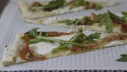 Prosciutto and Mozzarella Flatbread Pizza