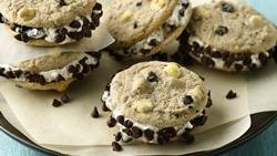 Cookies and Creme Ice Cream Sandwiches