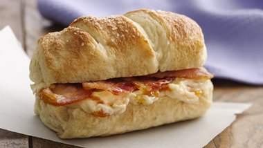 Bacon and Sweet Cream Cheese Bagel Rolls