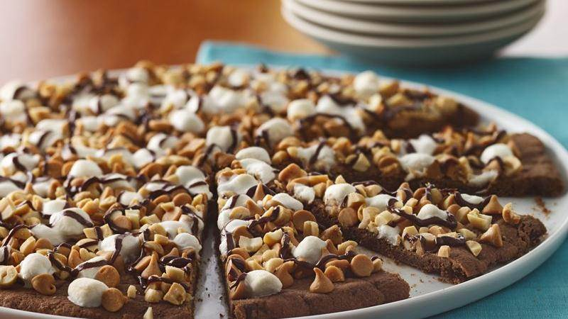 Chocolate Peanut Butter Cookie Pizza recipe from Betty Crocker