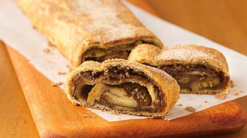 Choco-Peanut Butter-Banana Breakfast Strudel
