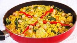 Paella Vegetariana con Pimientos y Garbanzos