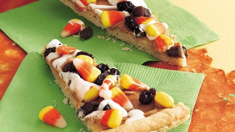 Halloween Cookie Pizza