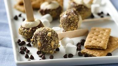 S'more Shortcake Pops