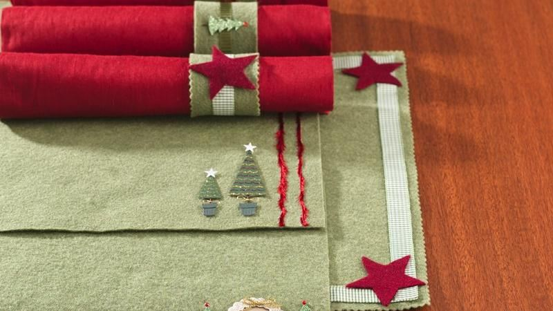 Holiday Felt Place Mats and Napkin Rings