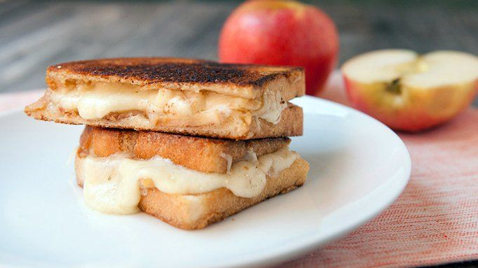 Apple Gruyere Grilled Cheese recipe - from Tablespoon!