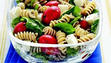 Spinach, Tomato, Mozzarella Pasta Salad