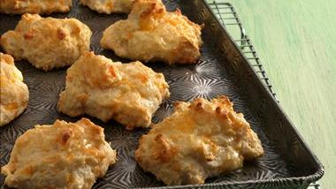 Easy Garlic-Cheese Biscuits