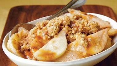 Easy Caramel-Pear Crumble