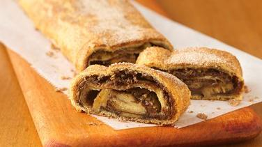 Choco-Peanut Butter-Banana Breakfast Strudel