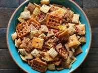 Slow-Cooker Cheesy Bacon Chex® Mix