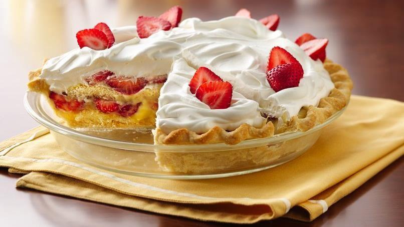 Slammin' Strawberry Shortcake Pie