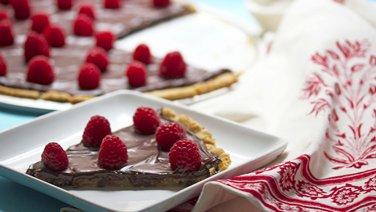 Gluten-Free Chocolate-Raspberry Cookie Pizza