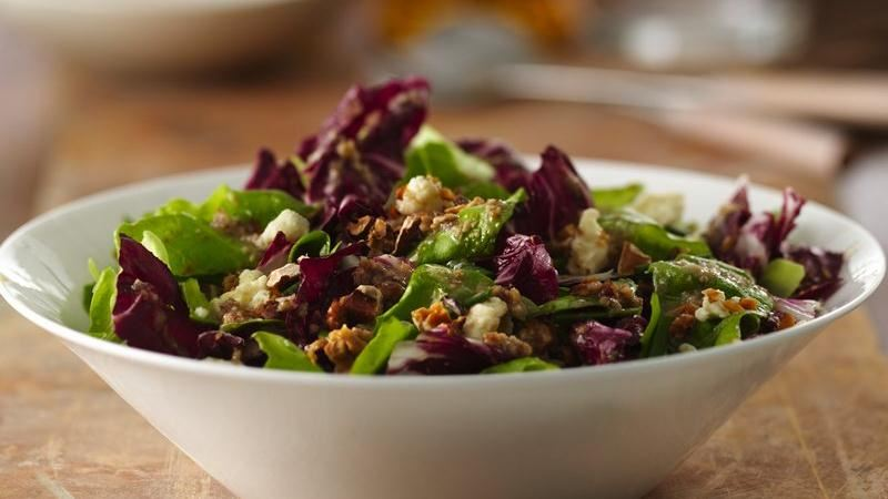 Gorgonzola and Toasted Walnut Salad